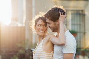 彼氏がいるのに元彼と遊ぶ女性心理7選。彼氏がいるのに元彼と遊ぶのはアリ?