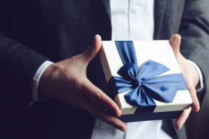 付き合っていない男性がプレゼントをくれた