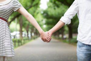 高校生の恋愛ではどこまで①「手を繋ぐ」