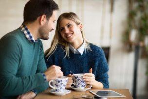 彼女を友達に紹介する男性心理8選!男が友達に紹介したい彼女ってどんな女性?